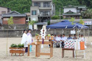 加太海水浴場海開きの神事_senbei551.exblog.jp